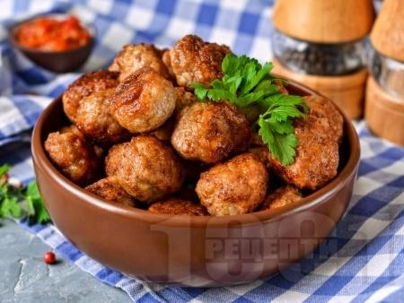 Пържени телешки кюфтета с яйца - снимка на рецептата